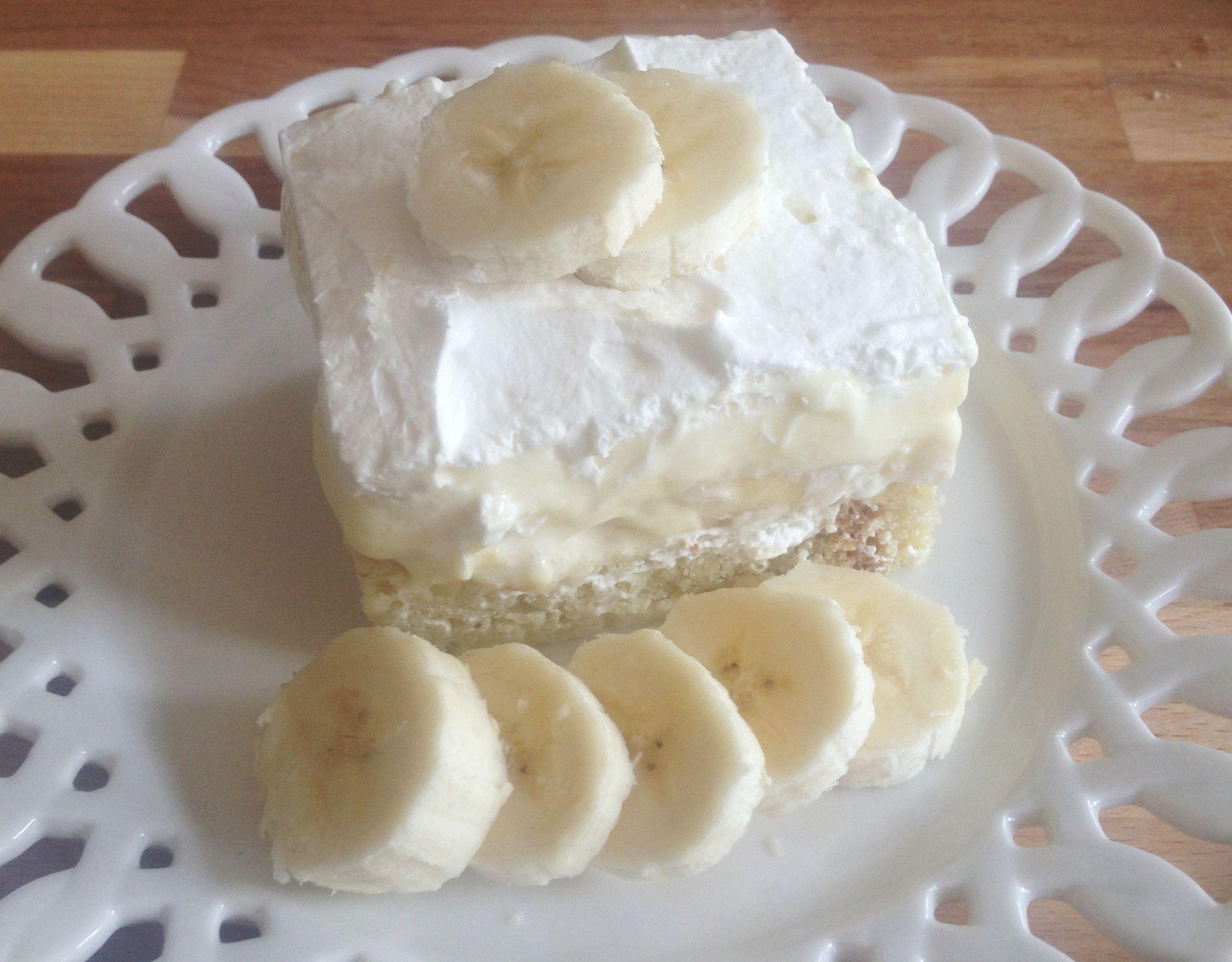 Bananas & Cream Layered Pound Cake Dessert Recipe