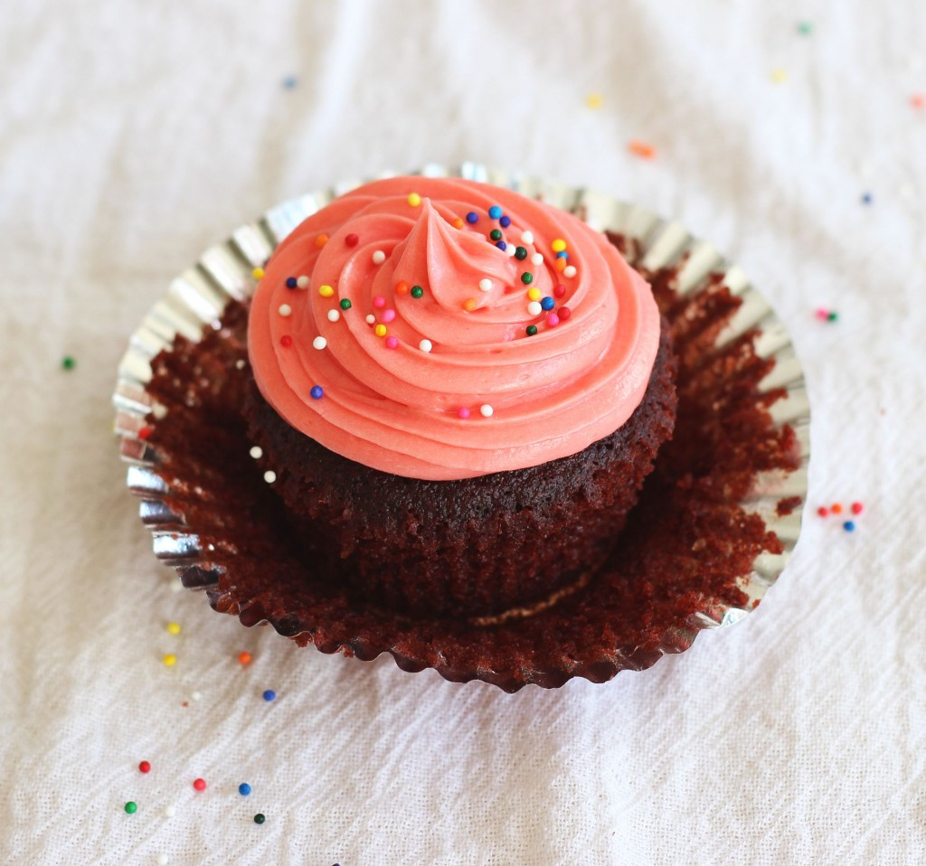 milk chocolate cupcakes cream cheese frosting pink breast cancer awareness 19