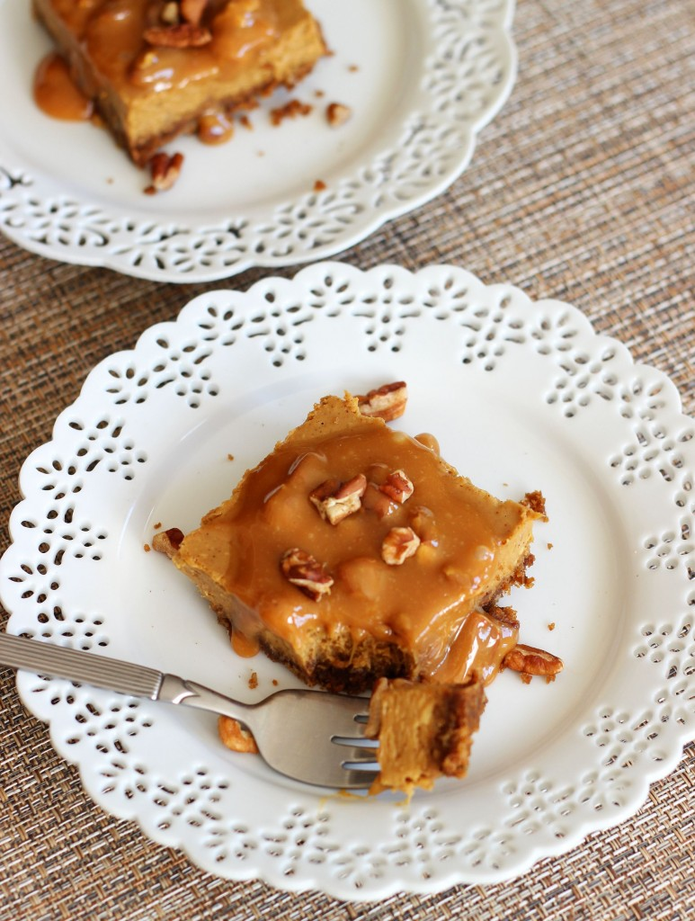 gingerbread cheesecake with pecan caramel praline topping 10