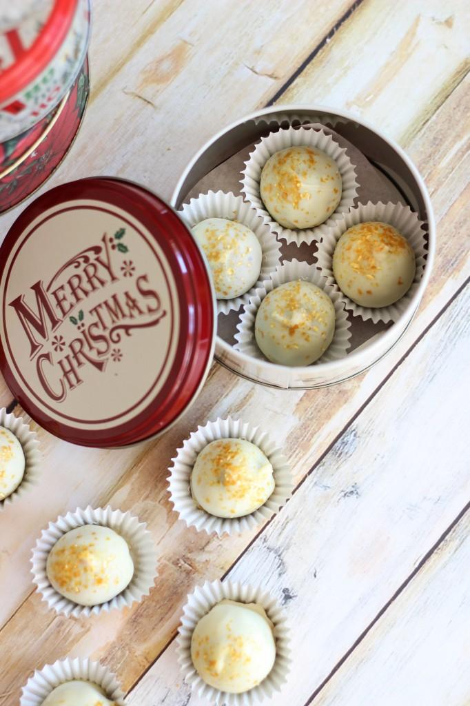 red velvet and green velvet cake truffles 15
