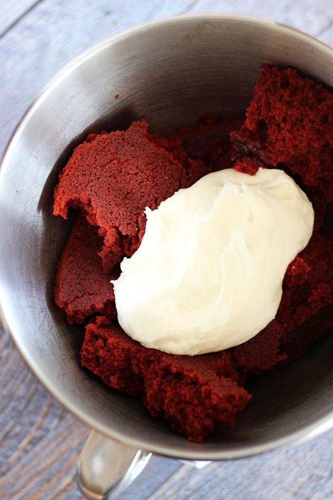 red velvet and green velvet cake truffles 7