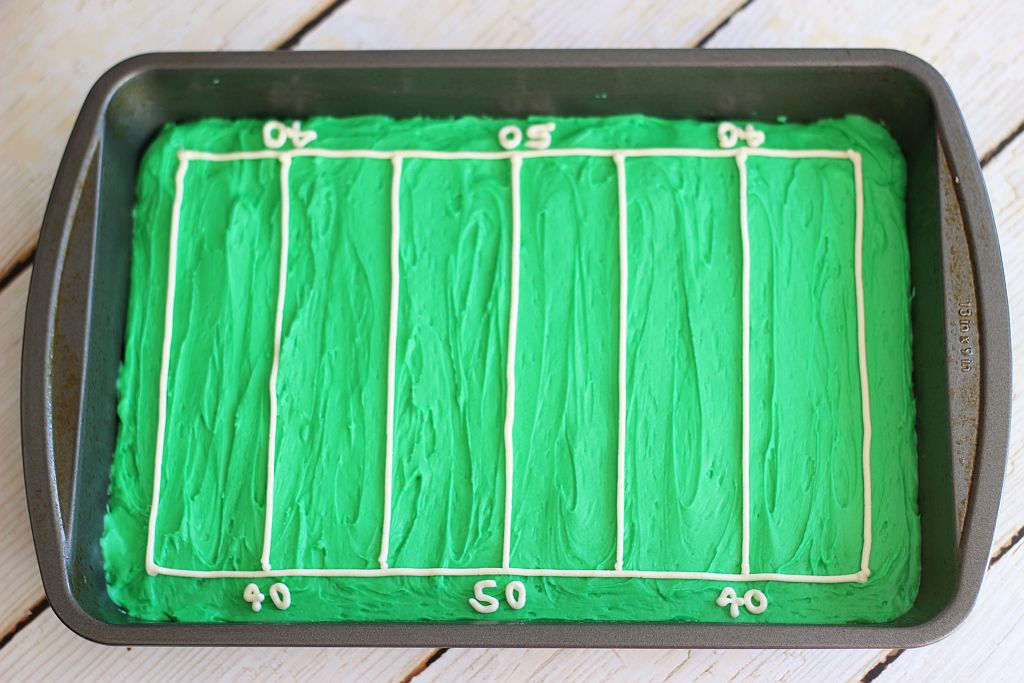 hail mary football field decorated brownies 6