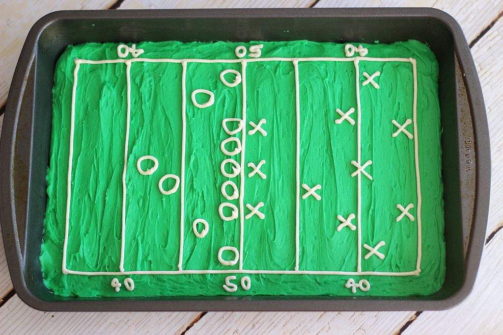 hail mary football field decorated brownies 7