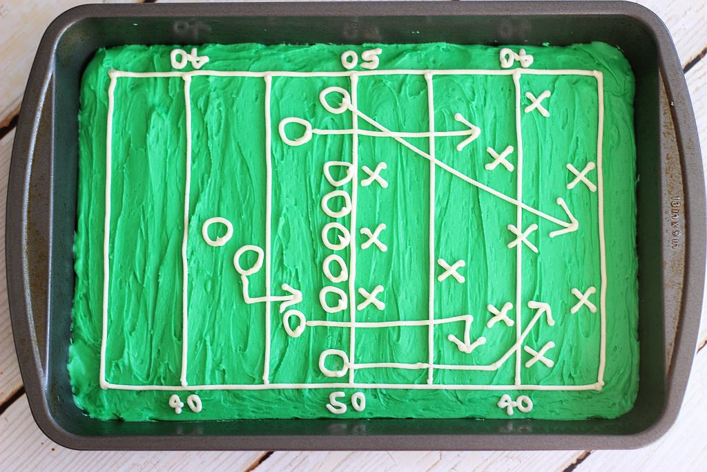hail mary football field decorated brownies 8