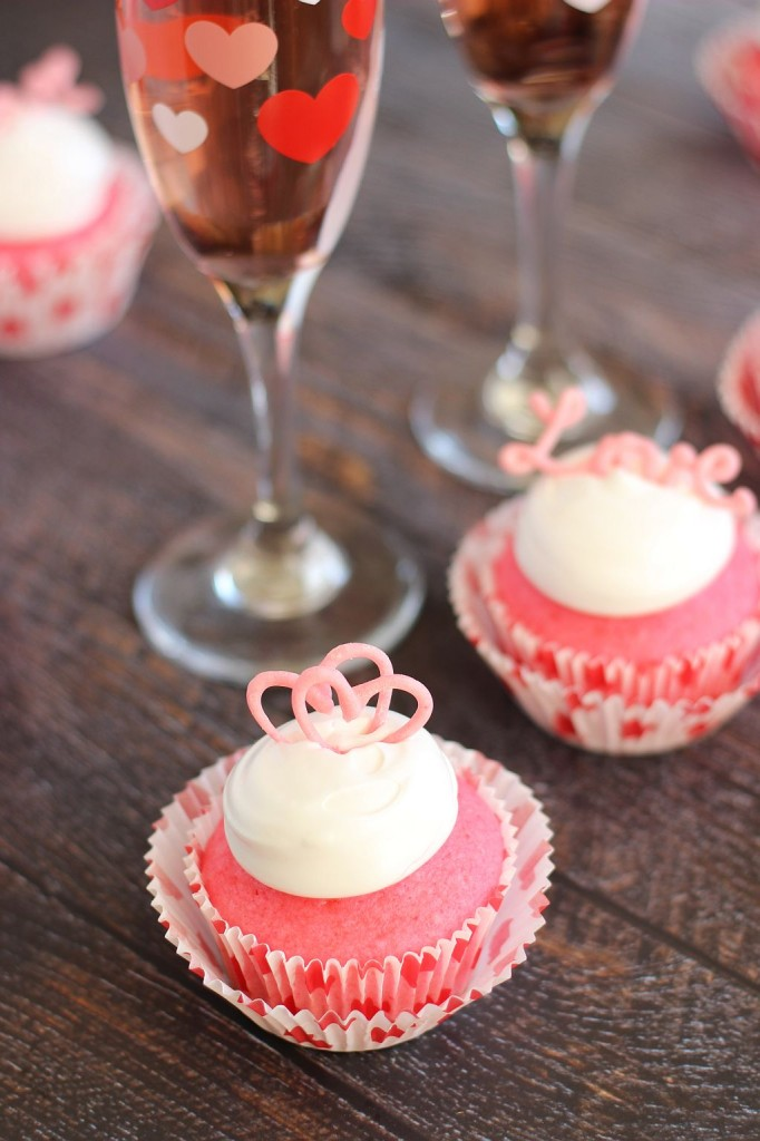 pink champagne cupcakes with marshmallow frosting and chocolate hearts 12