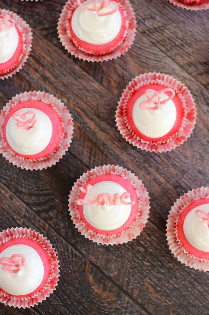pink champagne cupcakes with marshmallow frosting and chocolate hearts 14