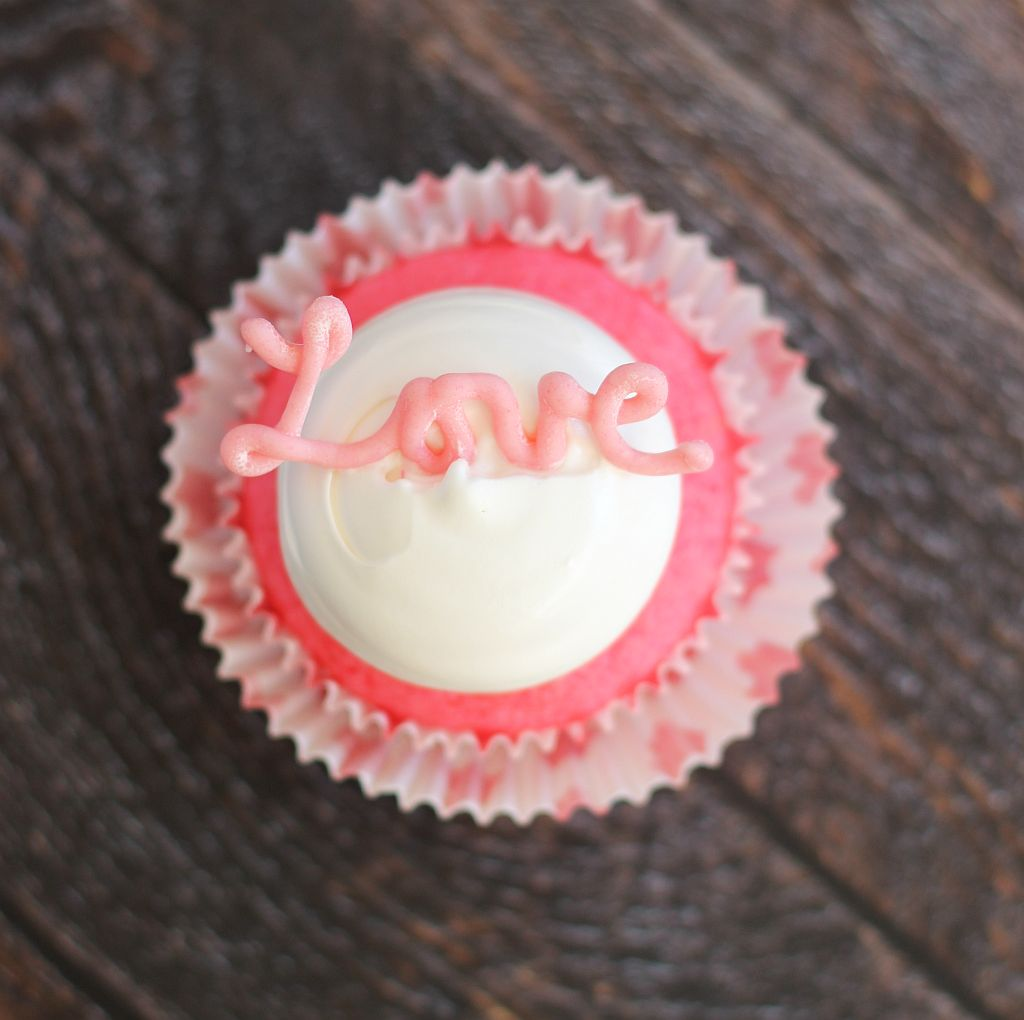 pink champagne cupcakes with marshmallow frosting and chocolate hearts 22