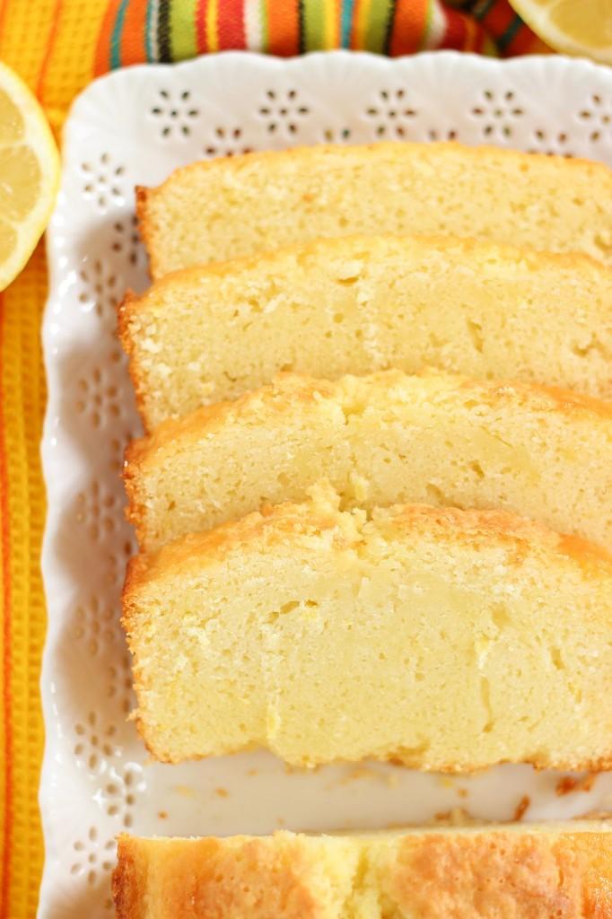 lemon pound cake with strawberry kiwi sauce 13