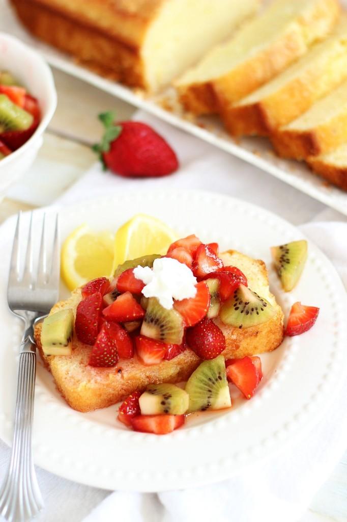 lemon pound cake with strawberry kiwi sauce 14