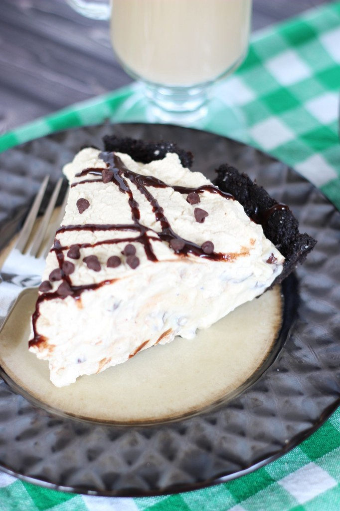 no bake bailey's cheesecake with bailey's coffee whipped cream 16