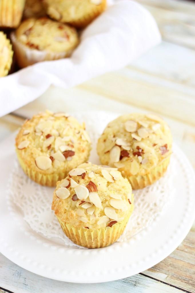 lemon almond ricotta muffins 13