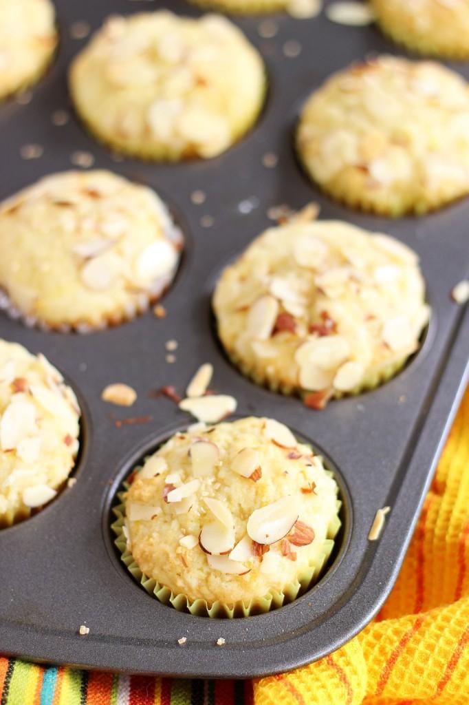 lemon almond ricotta muffins 3