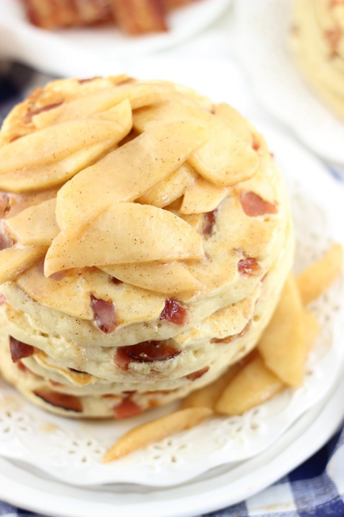 bacon pancakes with caramelizezd apples 9