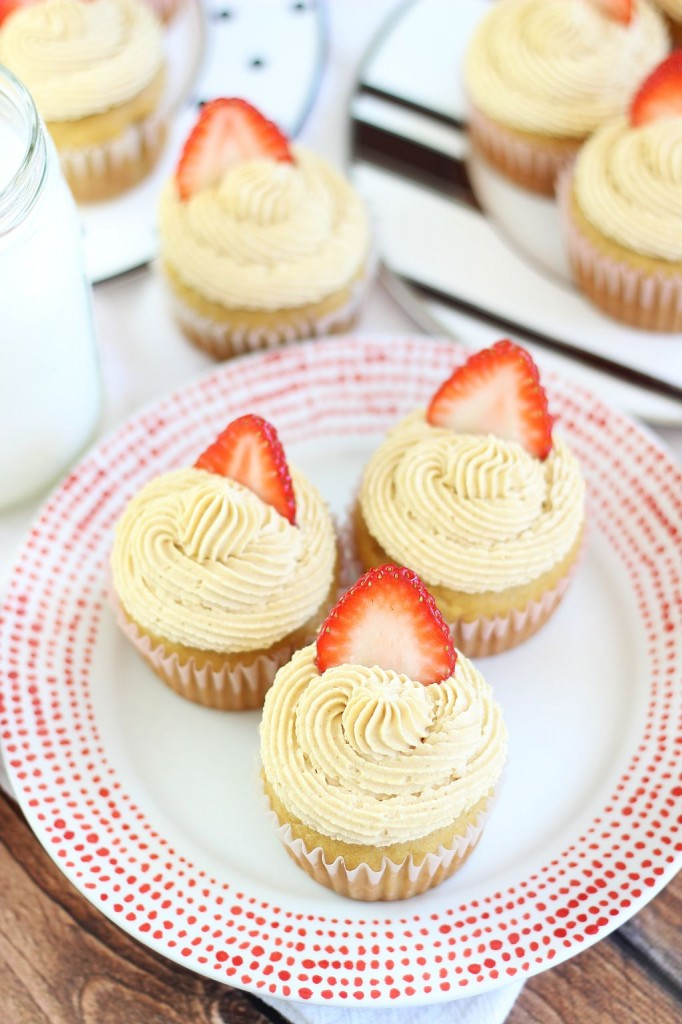 peanut butter & jelly cupcakes 15