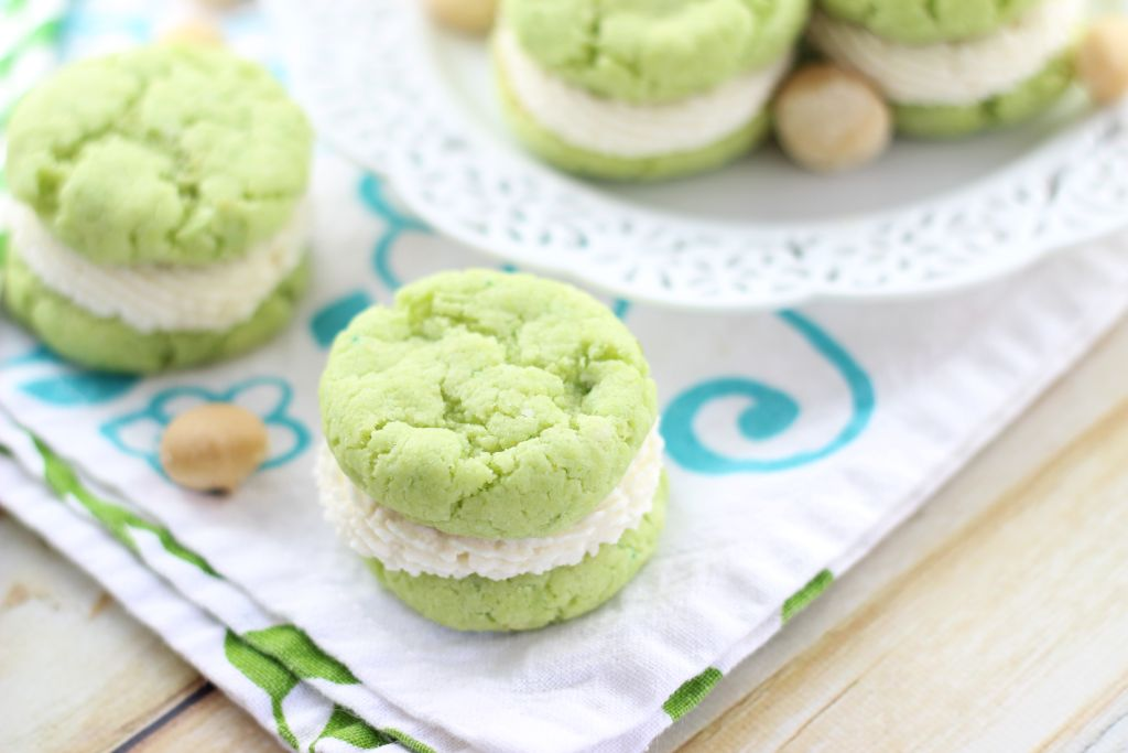 key lime whoopie pies with macadamia nut buttercream 10