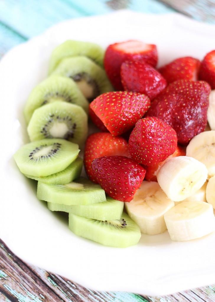 passionfruit strawberry kiwi chia smoothie 2