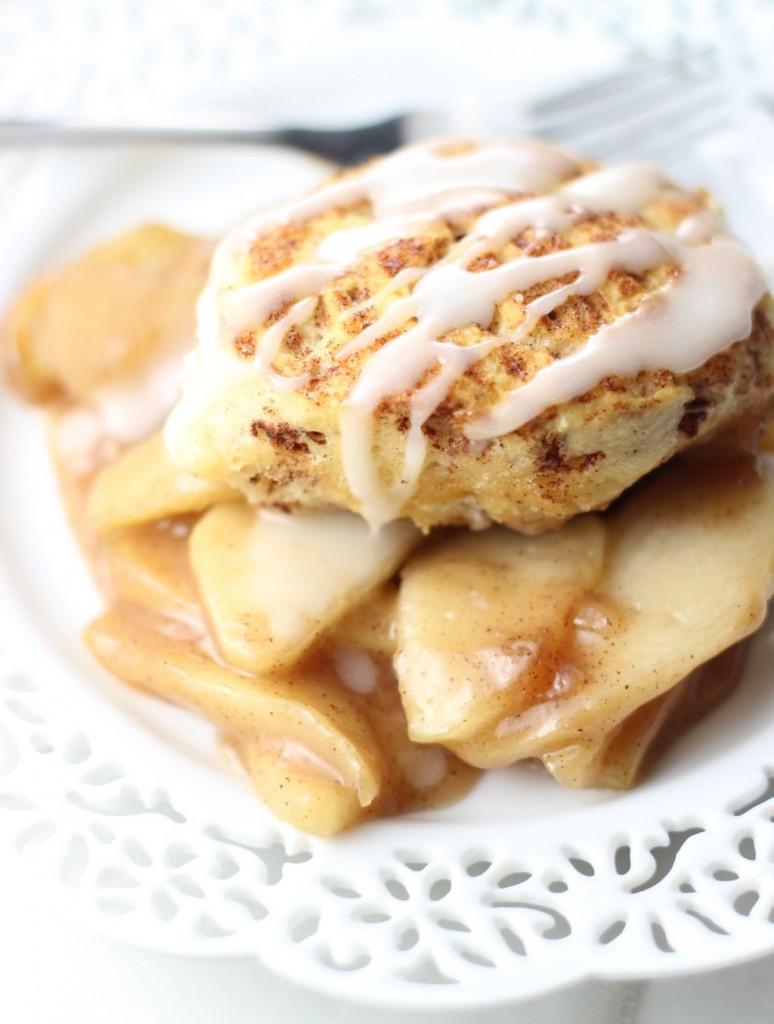 apple pie cinnamon roll cobbler 11