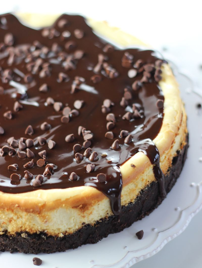 Chocolate Chip Cookie Dough Cheesecake - The Gold Lining Girl