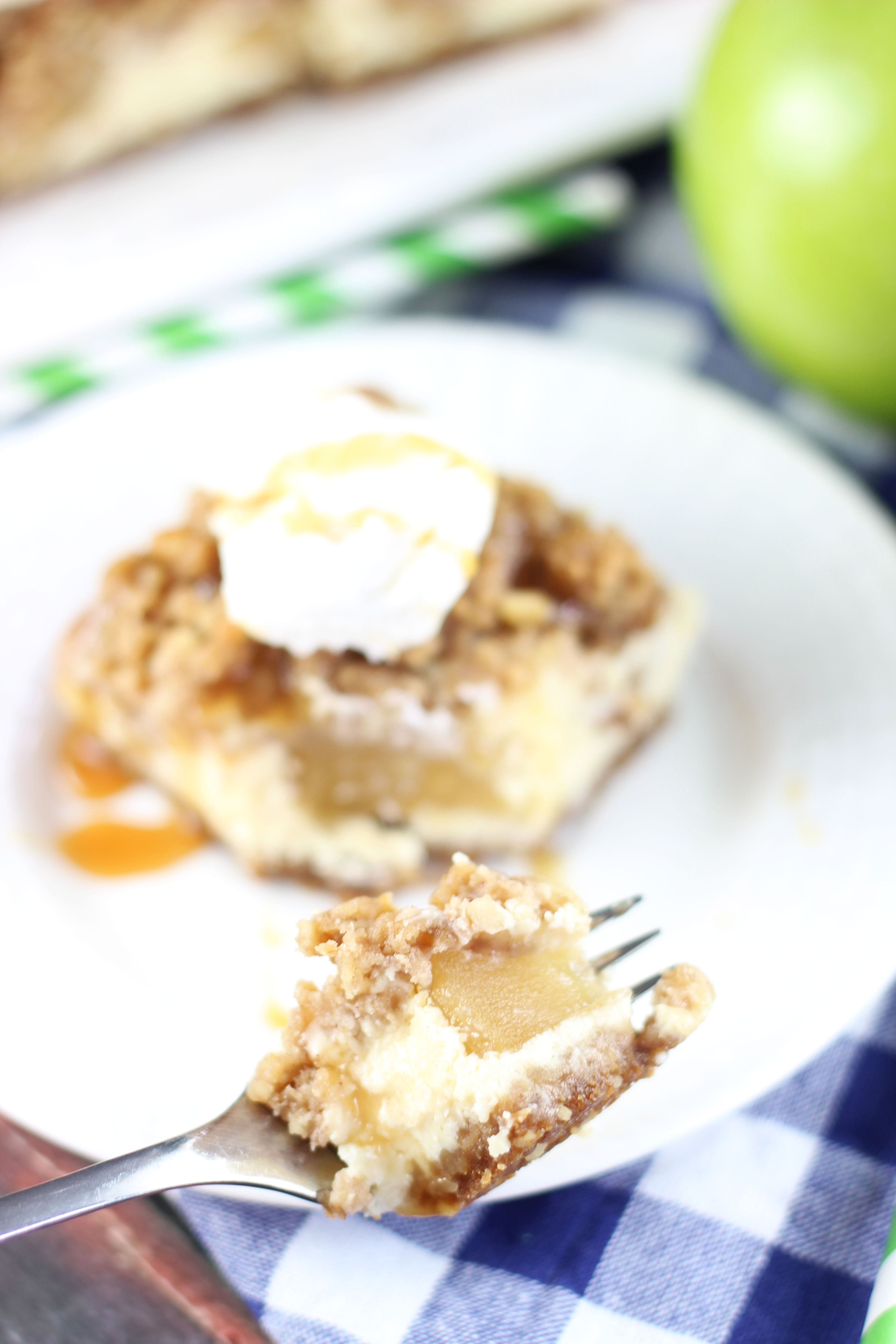 Caramel Apple Cheesecake Streusel Bars with Gingersnap ...