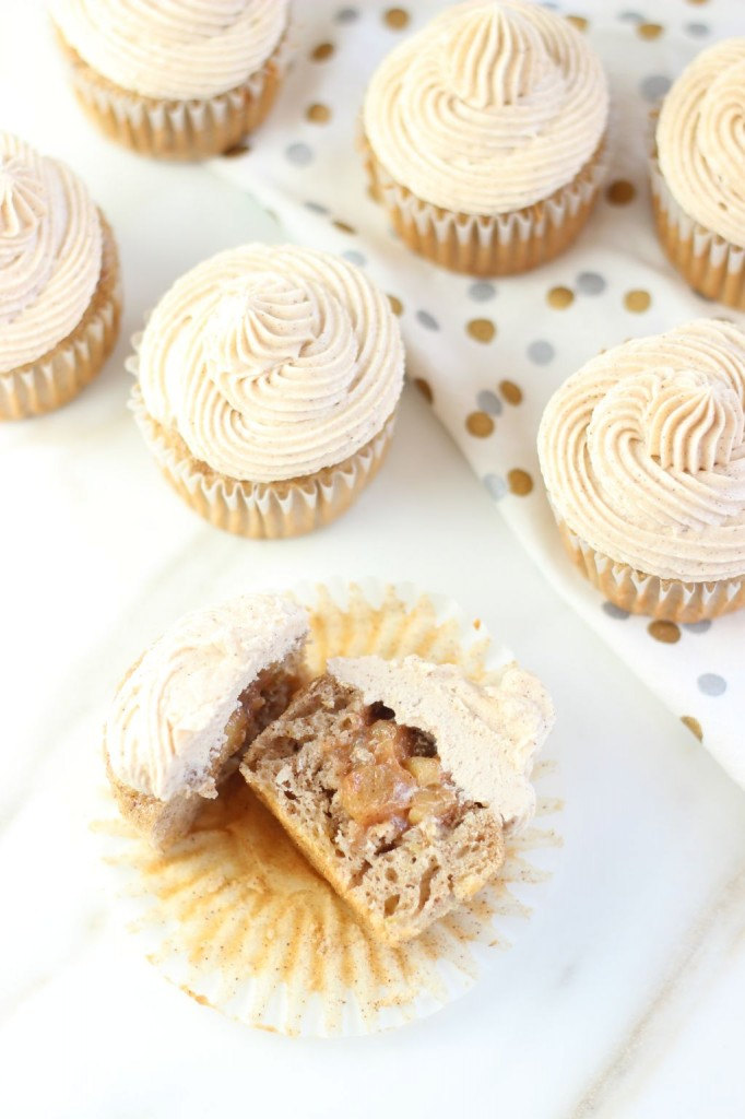 apple pie cupcakes with snickerdoodle frosting 22