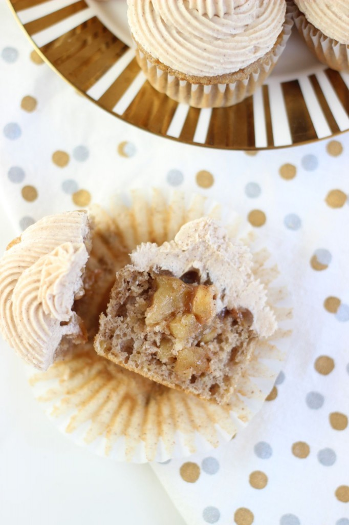 apple pie cupcakes with snickerdoodle frosting 35