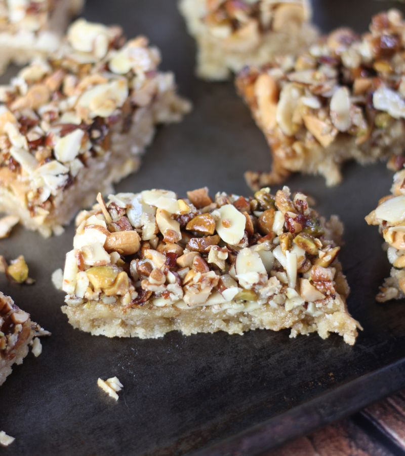 honey nut shortbread bars 22