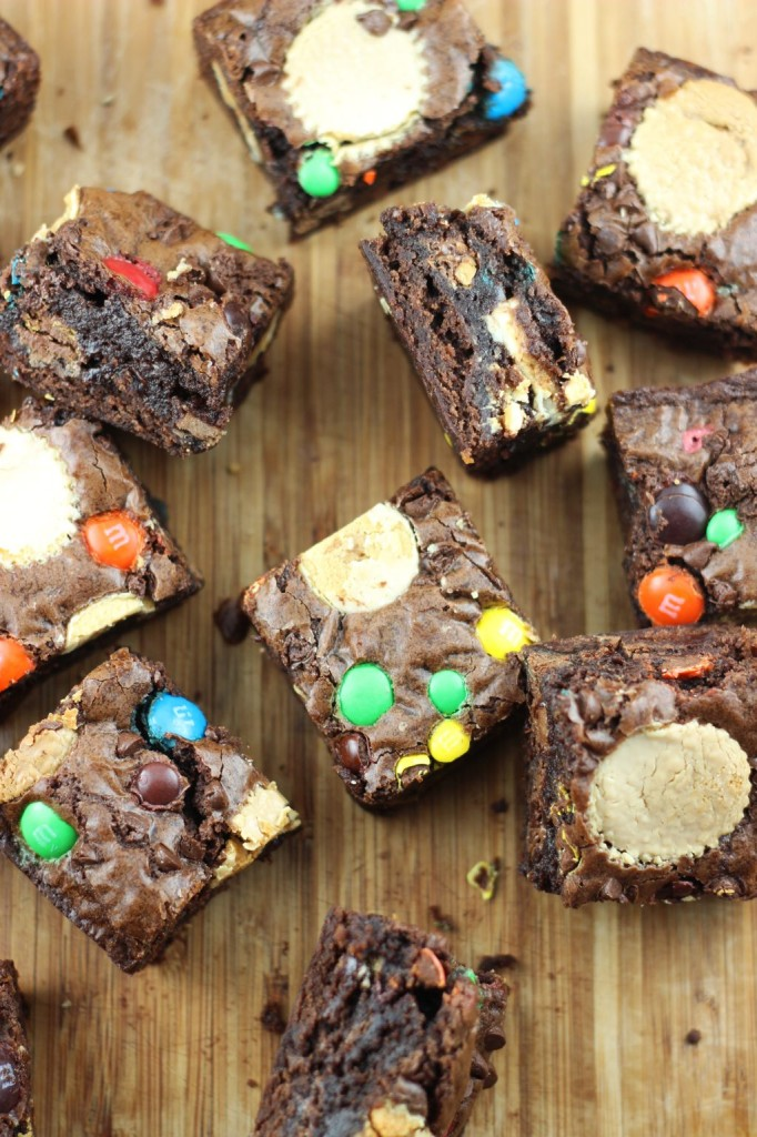 leftover halloween candy bar brownies 38