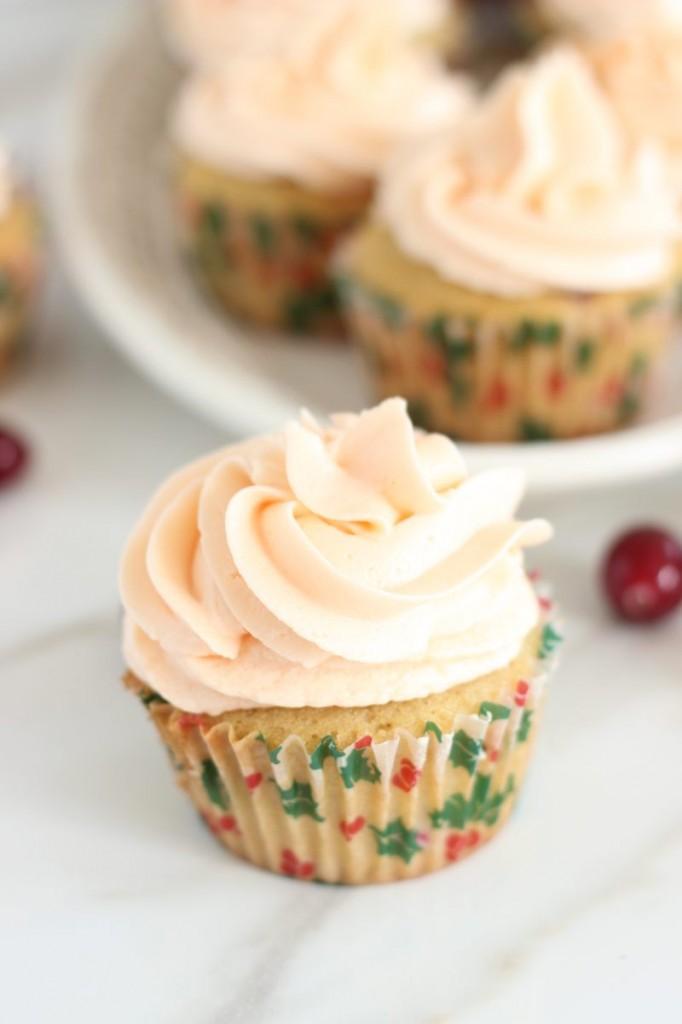 cranberry orange cupcakes with orange buttercream 1