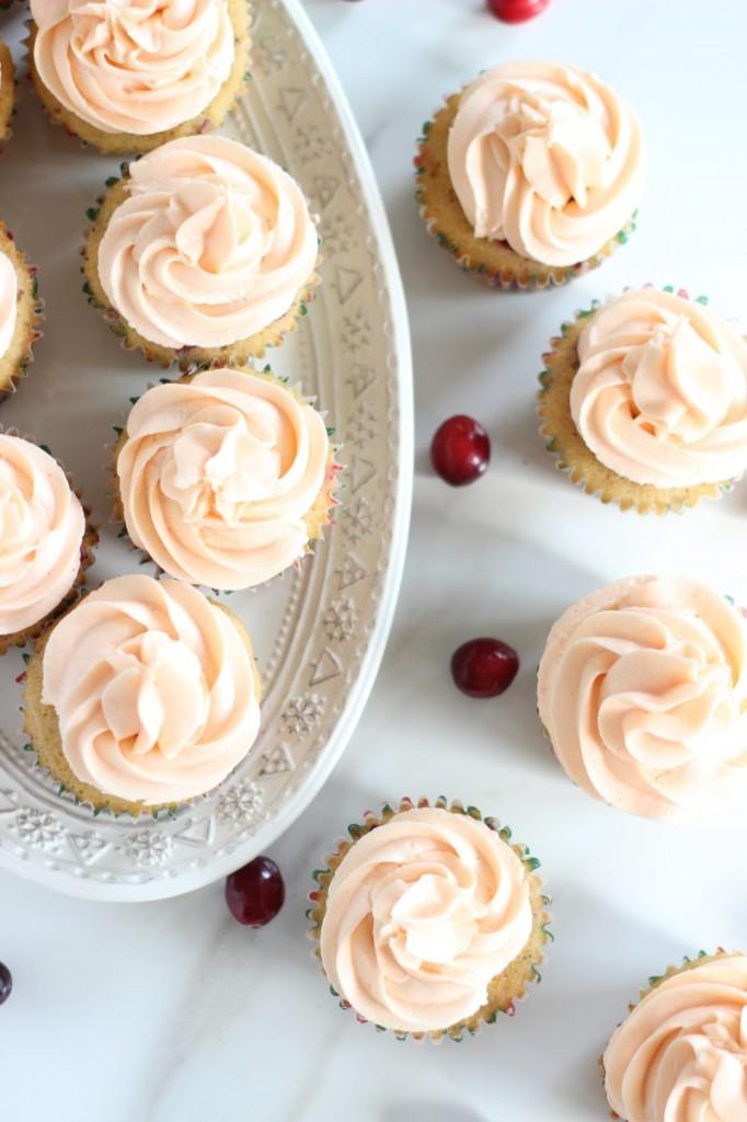 cranberry orange cupcakes with orange buttercream 17