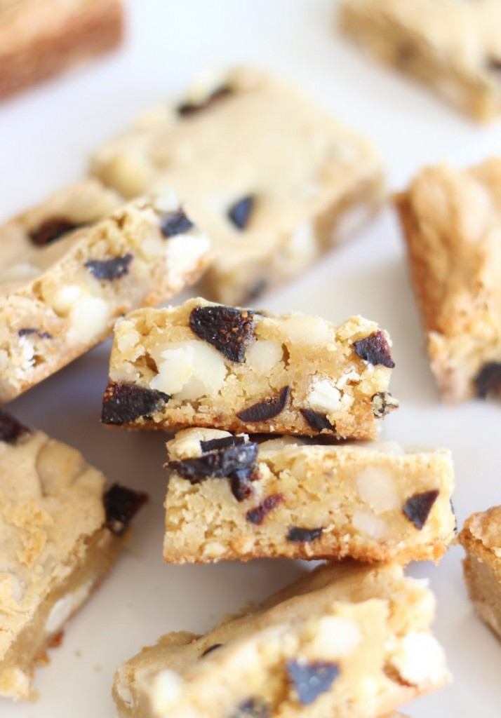 macadamia nut & fig white chocolate blondies 14