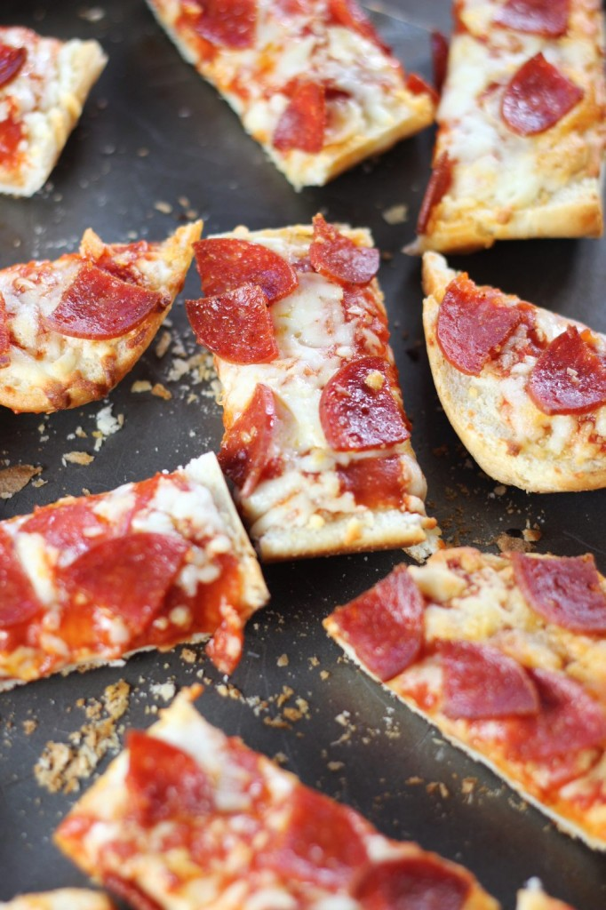 pepperoni pizza with hot ranch dipping sauce 4