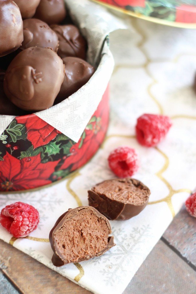 chocolate raspberry cheesecake truffles 1