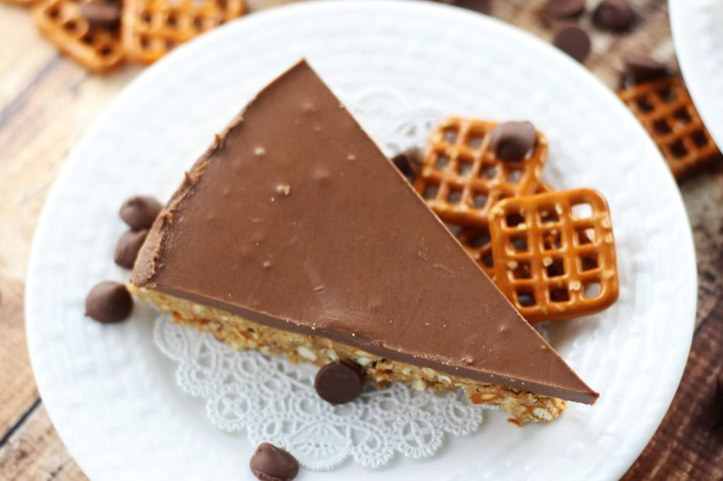 no bake chocolate peanut butter pretzel squares 1