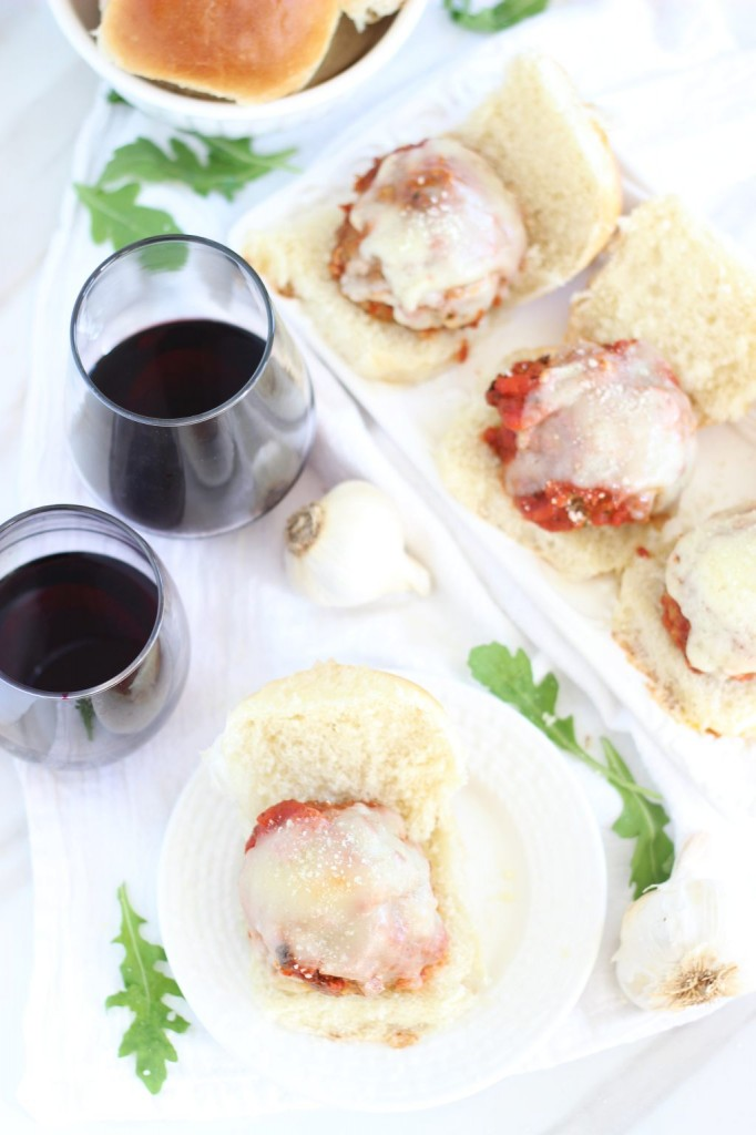turkey meatball sliders with cabernet sauce (13)