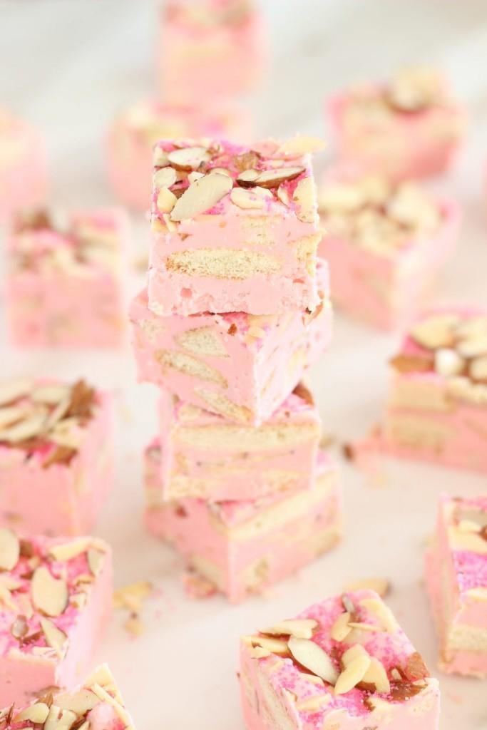 5 minute strawberry shortcake fudge 8