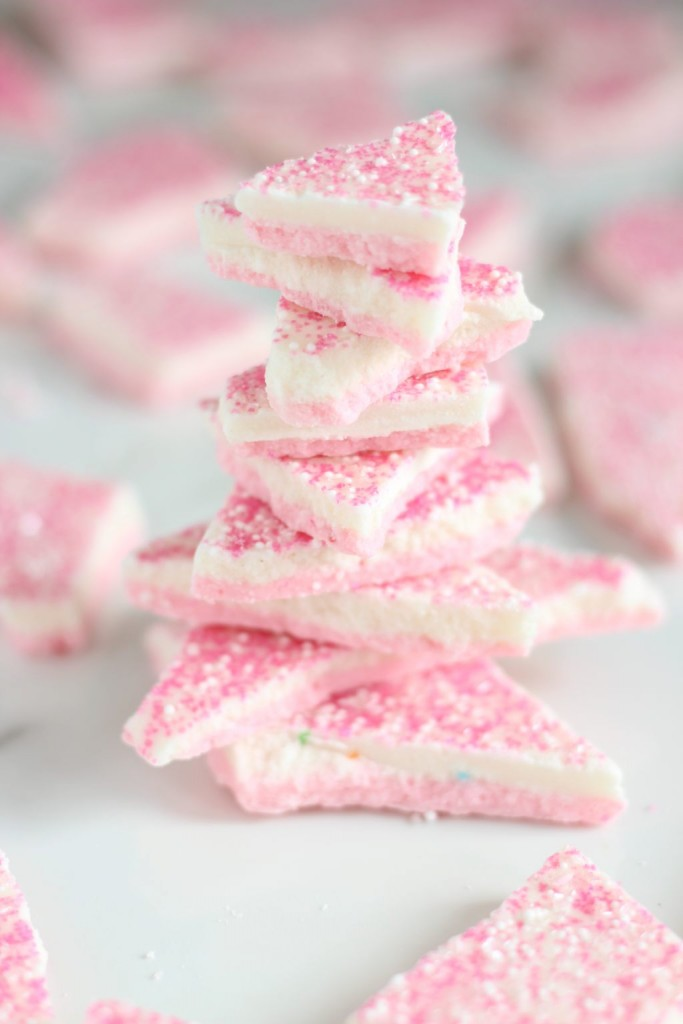 strawberry cake batter bark 13