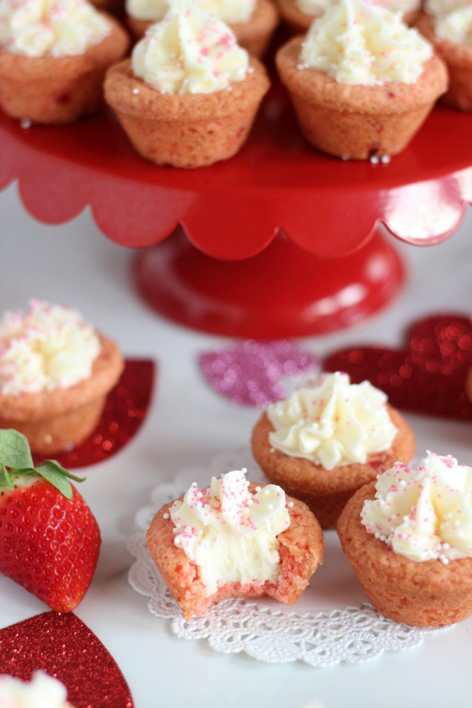 strawberry cookie cups with white chocolate buttercream 15