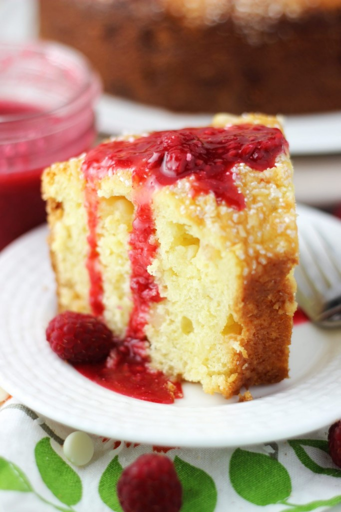 white chocolate macadamia coconut bread with raspberry syrup 15