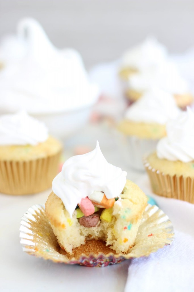 lucky charms cupcakes with marshmallow frosting 13