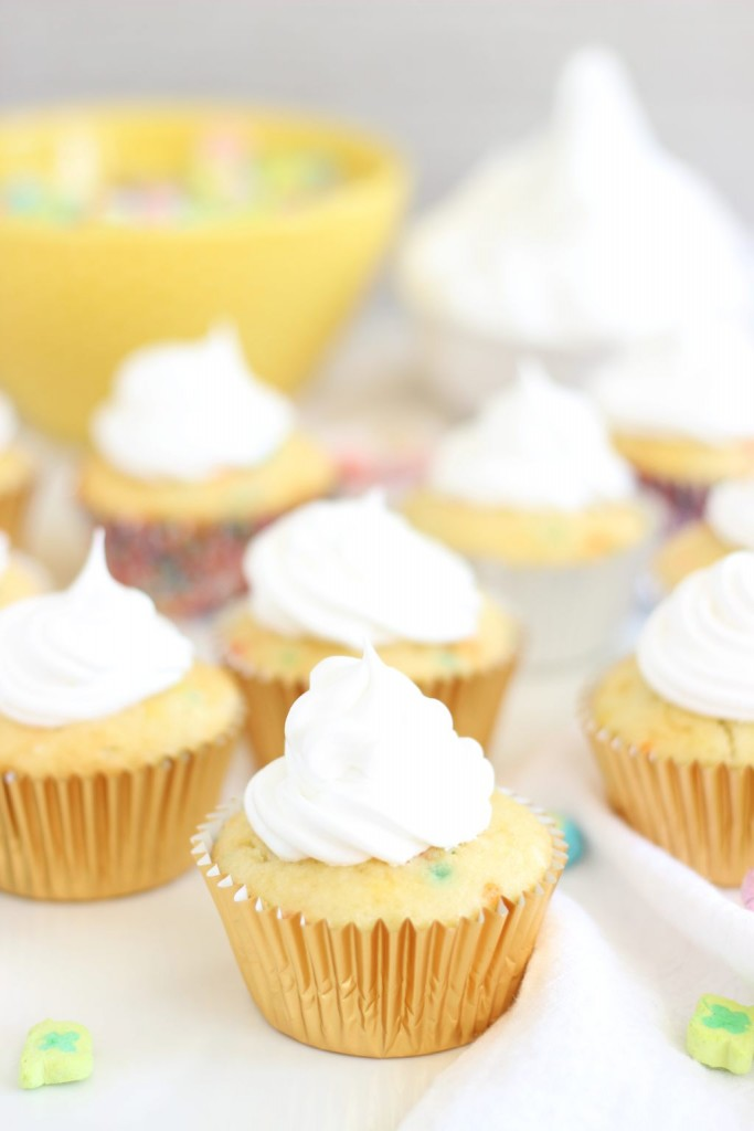 lucky charms cupcakes with marshmallow frosting 2