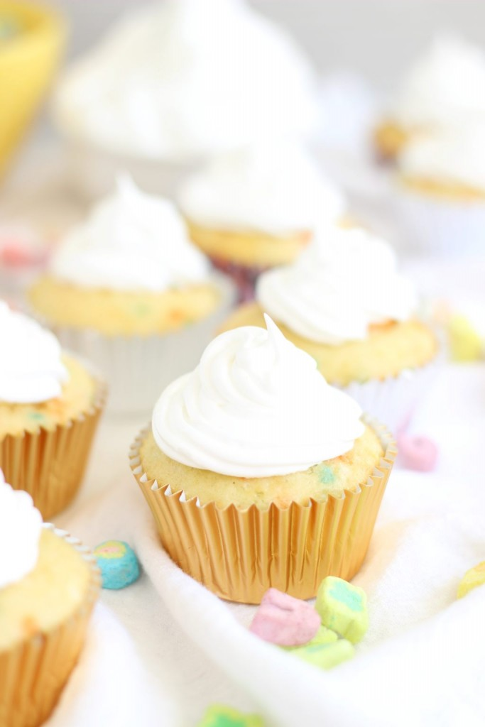 lucky charms cupcakes with marshmallow frosting 5