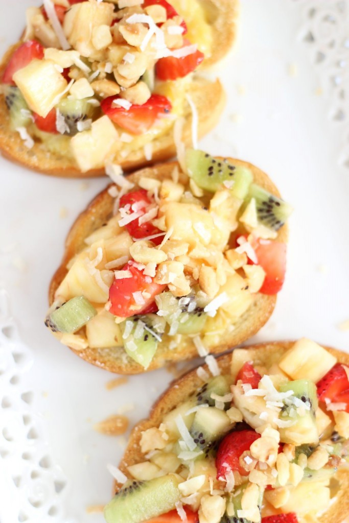 tropical bruschetta with mango curd 12