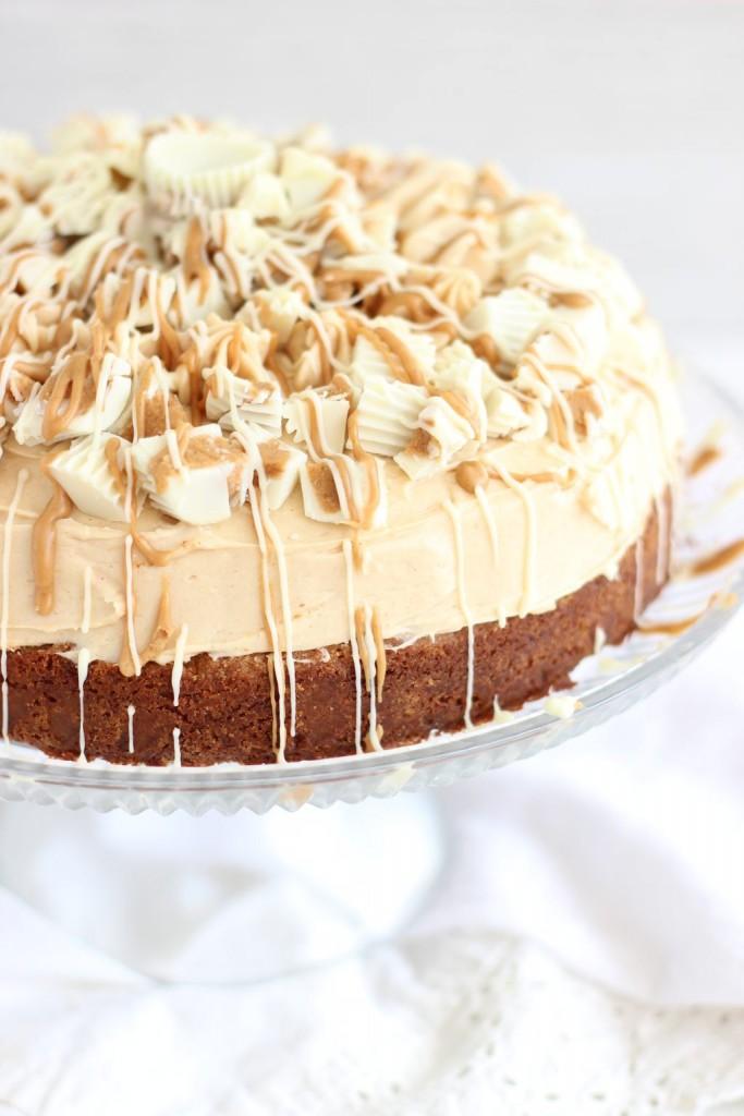white chocolate peanut butter blondie cheesecake 29