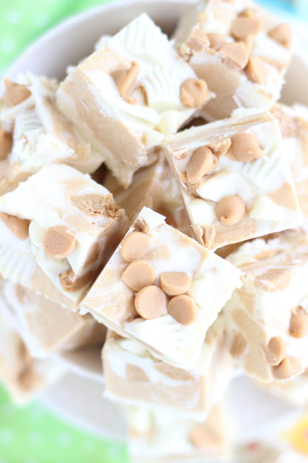 White Chocolate Peanut Butter Cup Fudge - The Gold Lining Girl