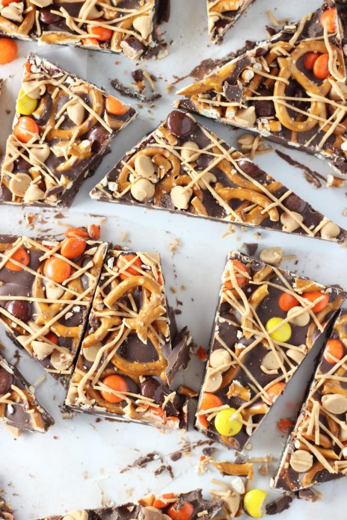 chocolate peanut butter pretzel bark 4