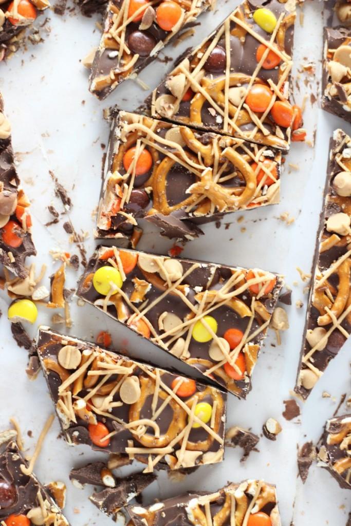 chocolate peanut butter pretzel bark 5