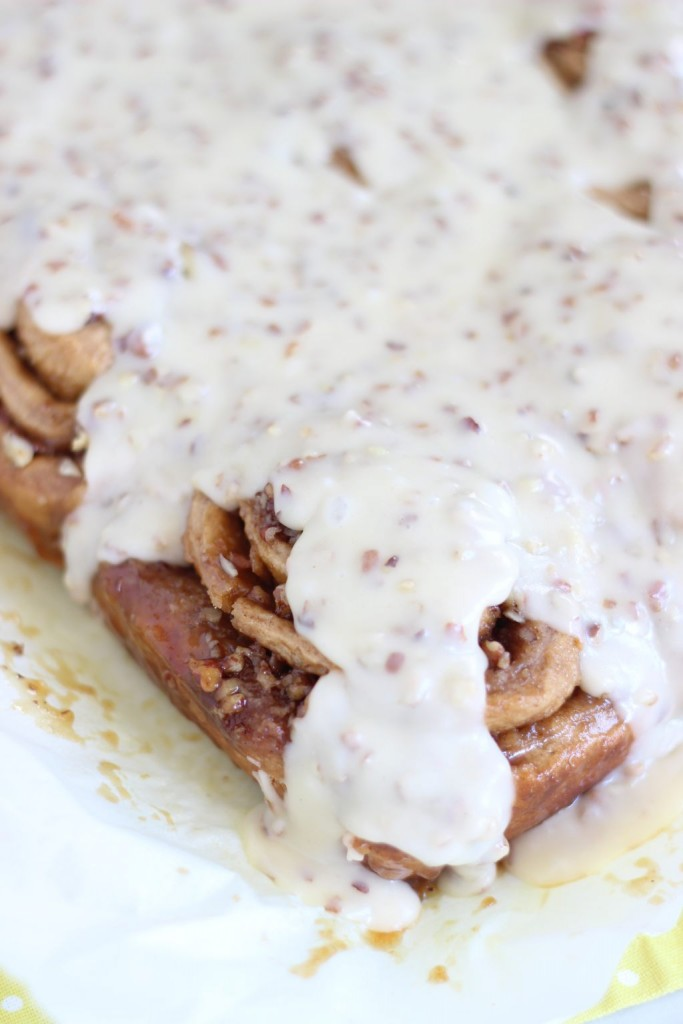 glazed butter pecan cinnamon rolls 13