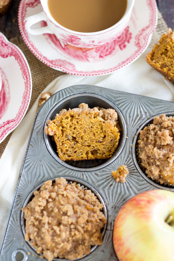 Pumpkin Apple Streusel Muffins (4)