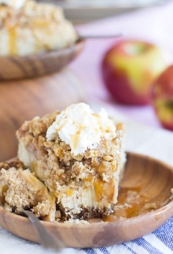 caramel apple crisp cheesecake (25)