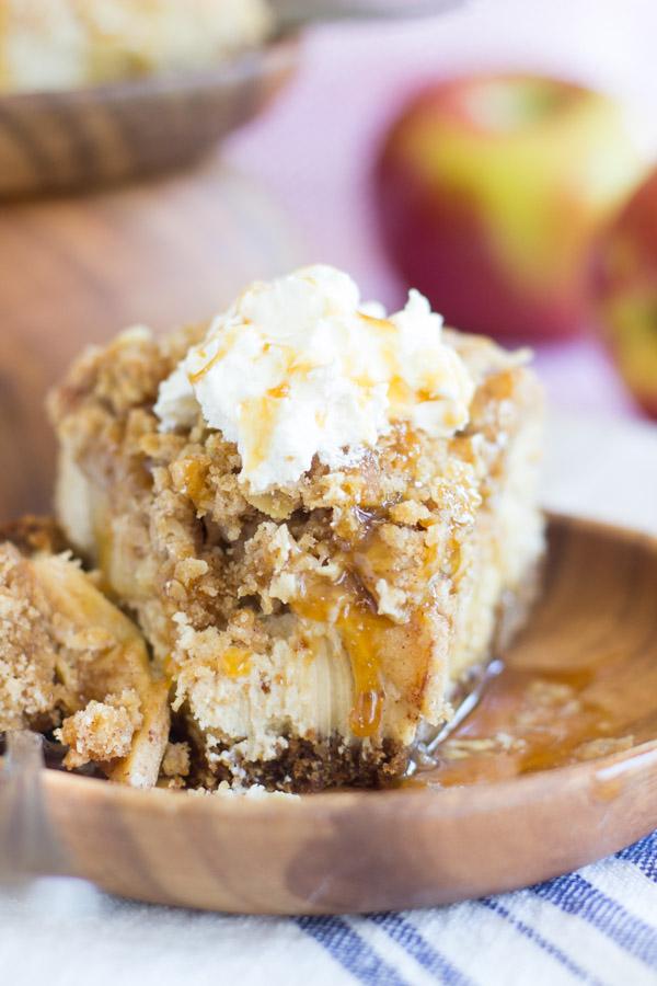 caramel apple crisp cheesecake (26)